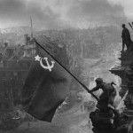 photo-histoire-reischtag-drapeau-russe-1945