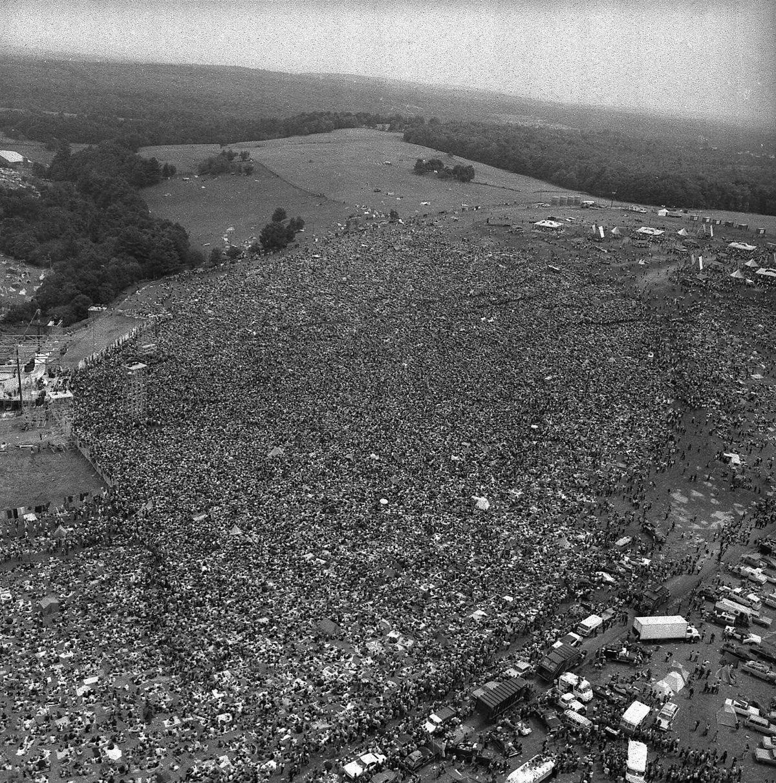 Photo légendaire du rassemblement pour le festival de Woodstock.