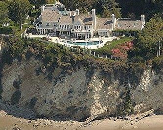 Photographie de la maison de Barbara Streisand à l'origine de la découverte de cet « effet pervers » de la censure : l'effet Streisand