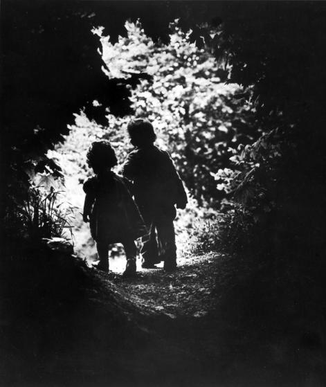 Photo des enfants d'Eugene Smith prise par lui-même pendant une promenade