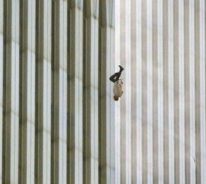 Photo historique et choquante d'une victime du WTC en 2011