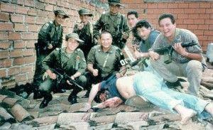 Photo du corps de Pablo Escobar à Medelin abattu par la police colombienne