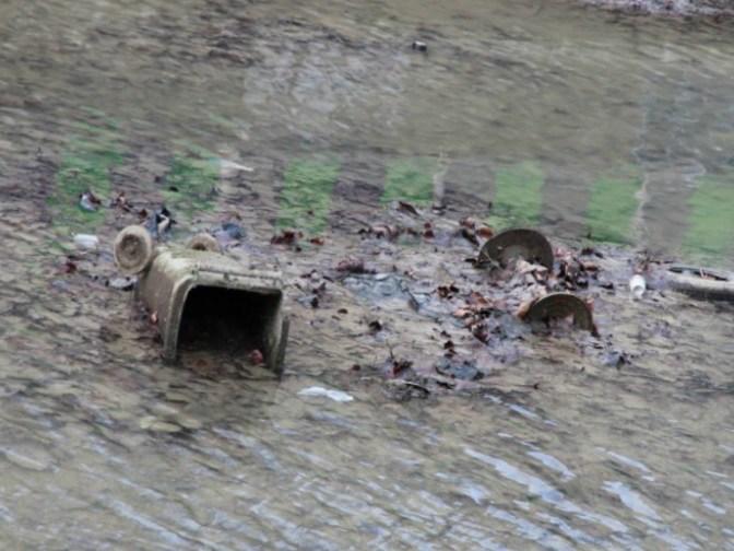 Photo insolite. Le fond du canal Saint-Martin lors de la vidange de 2016